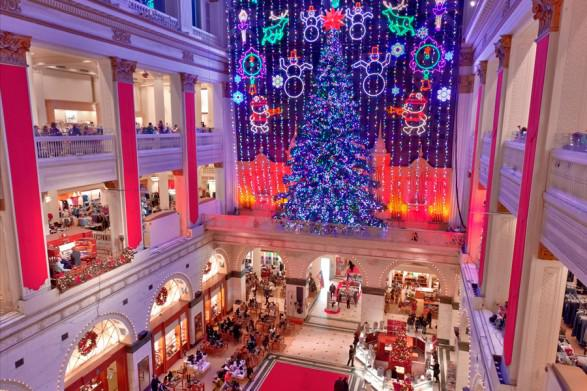 macys-center-city-christmas-light-show-900VP