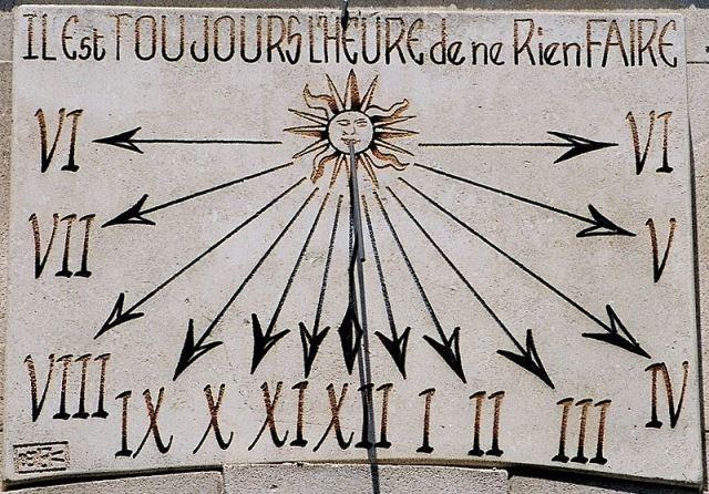 800px-Saint-remy-de-provence-cadran-solaire