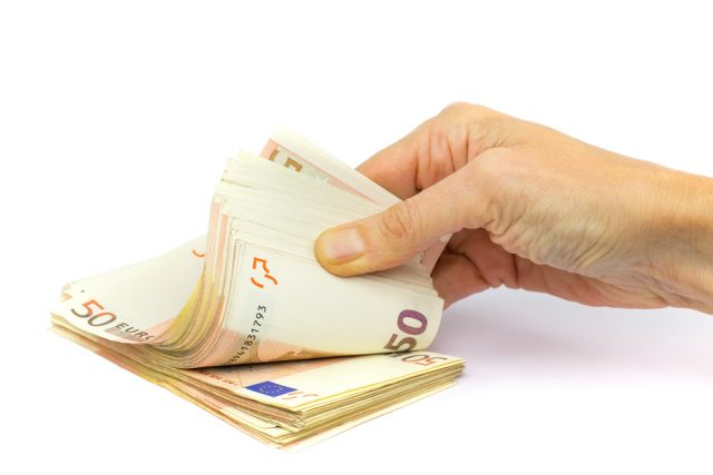 Euros, argent.