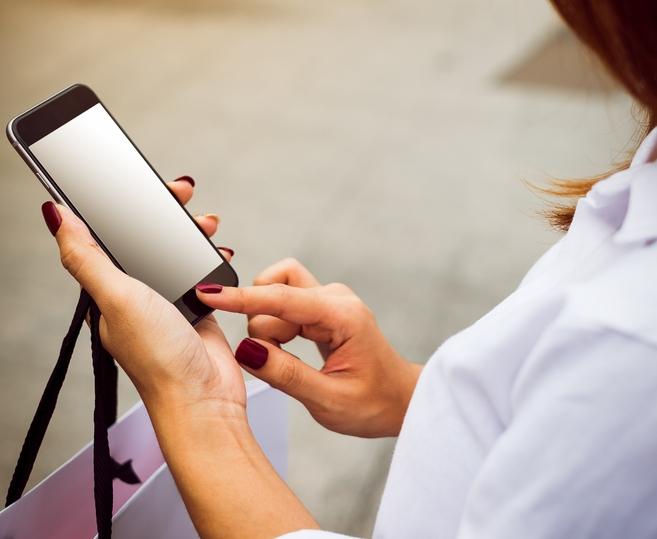 Mobile: la pénétration mondiale ralentit et les investissements publicitaires grimpent