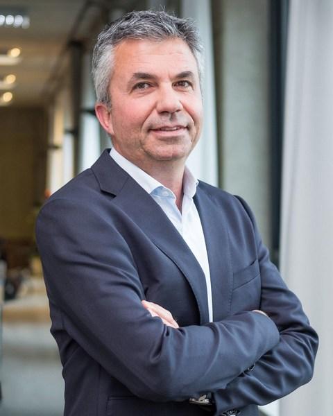 Yuval Ben-Itzhak, Socialbakers.