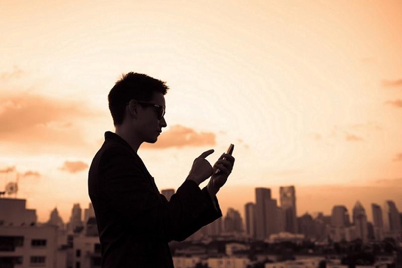 Le sur-mesure, le maître mot en créativité mobile (Interview de M. Rostamkolaeï, Mozoo)
