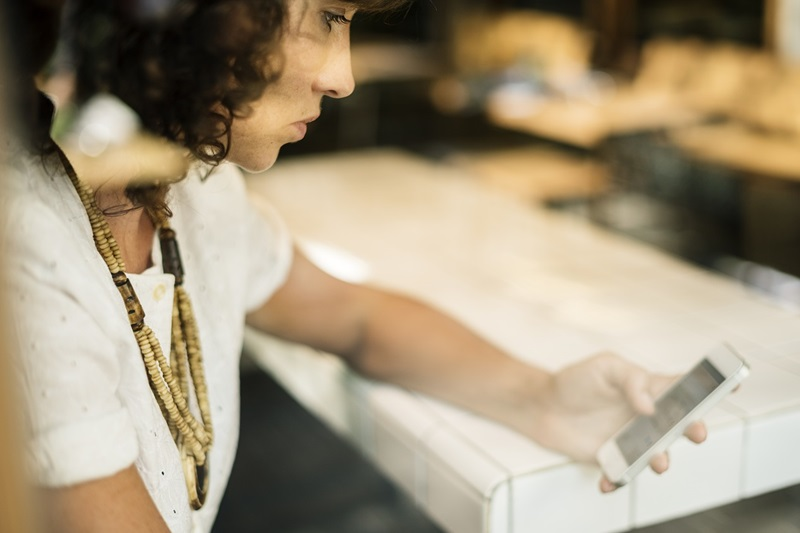 Royaume-Uni : le m-commerce représente plus de la moitié des ventes e-commerce du retail en 2020